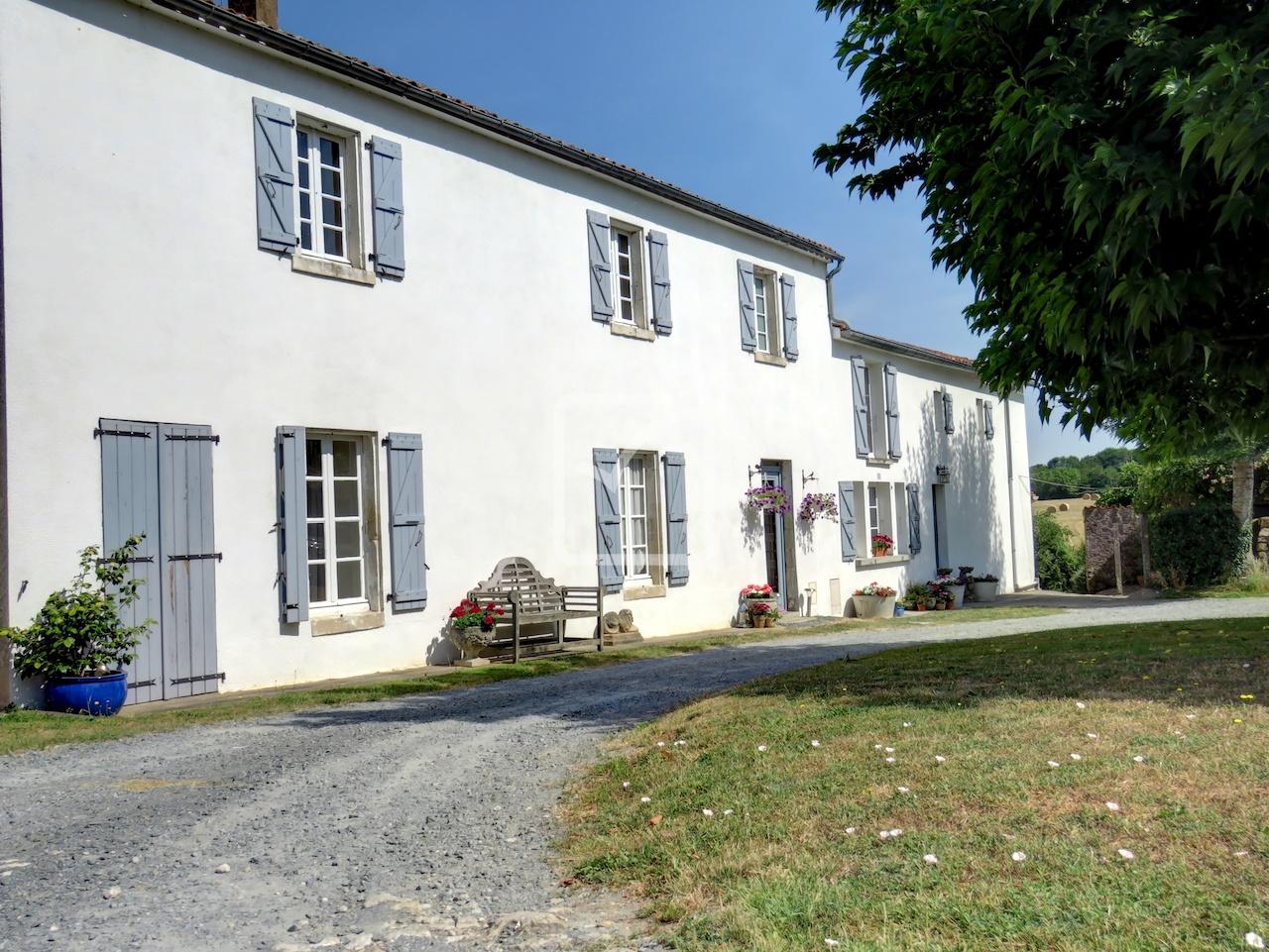 Annonce Vente Maison La Ch Taigneraie 85120 262 M
