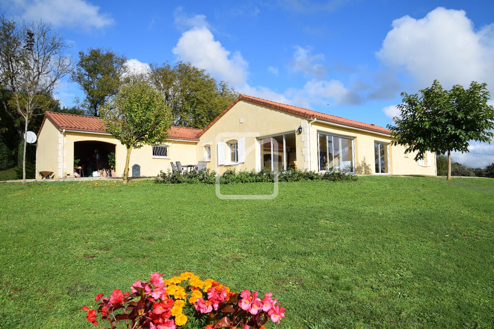Annonce vente maison thiviers 24800 150 m 261 000 for Vente maison neuve 85